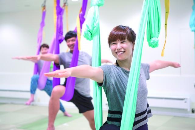 floating yoga_image